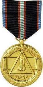 NASA Space Flight Medal (Obverse).jpg