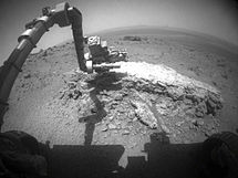 Opportunity Rover Examines Tisdale 2.jpg