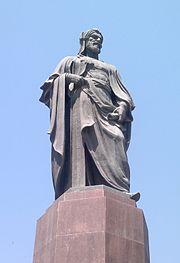 Памятник Низами в Баку.jpg