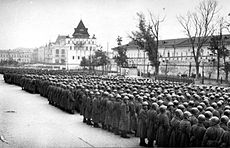 Departure soldiers to the front line of Gorky division 3.jpg