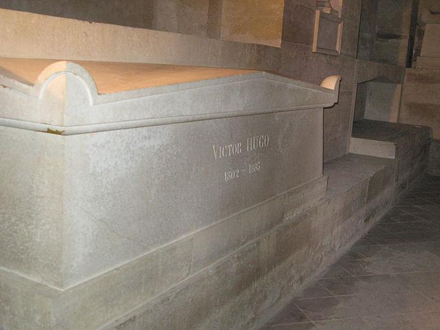 Надгробие Виктора Гюго в парижском Пантеоне