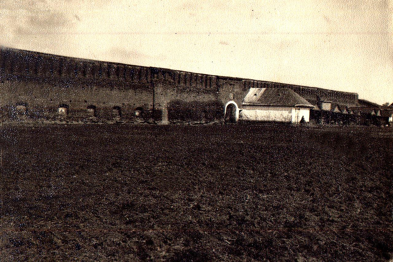 Остатки тульчинской крепости (совр. вид со стороны вокзала на обувную фабрику), 1925 год