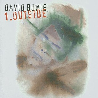 https://upload.wikimedia.org/wikipedia/ru/thumb/2/2f/D-bowie-OUTSIDE.jpg/345px-D-bowie-OUTSIDE.jpg