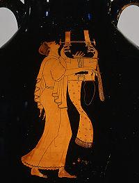 Древнегреческий щипковый муз инструмент