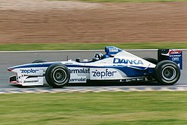 Arrows Yamaha A18 Damon Hill 1997.jpg