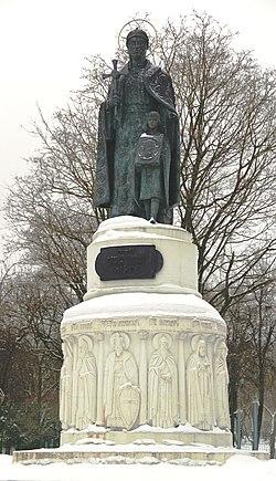 Памятник Ольге(Псков).jpg