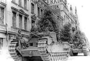 Soviet tanks in Vyborg.jpg