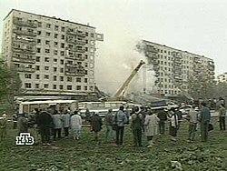 Последствия теракта утром 9 сентября 1999 года по улице Гурьянова, дом 19, Москва. Кадр НТВ.