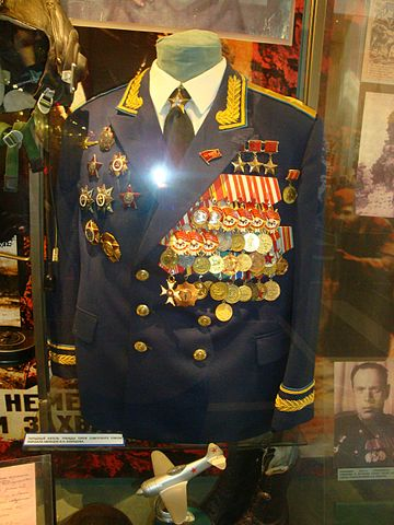 Парадный китель Кожедуба с наградами в Центральном музее Вооружённых Сил в Москве