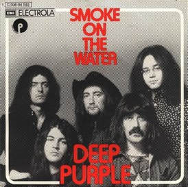 Обложка сингла Deep Purple «Smoke on the Water» (1972)