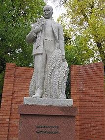 Памятник Вавилову Н И Саратов.JPG