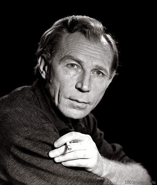 Иван Лапиков актер