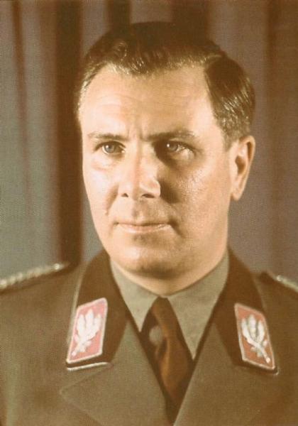 https://upload.wikimedia.org/wikipedia/ru/thumb/6/6a/Albert_Bormann.png/420px-Albert_Bormann.png