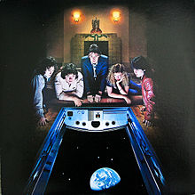 Обложка альбома Wings «Back to the Egg» (1979)