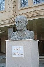 Памятник Сабиту Рахману в Шеки.jpg