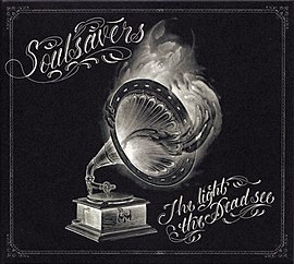 Обложка альбома Soulsavers «The Light The Dead See» (2012)