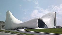 Культурный центр Гейдара Алиева 6.jpg
