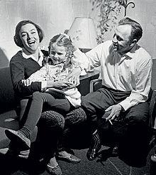 Обложка леонид куравлев биография семья дети фото