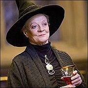 https://upload.wikimedia.org/wikipedia/ru/thumb/9/92/McGonagall.jpg/180px-McGonagall.jpg