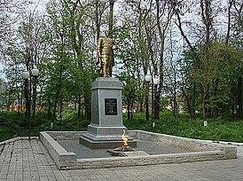 Grozny-neftemaisk.JPG
