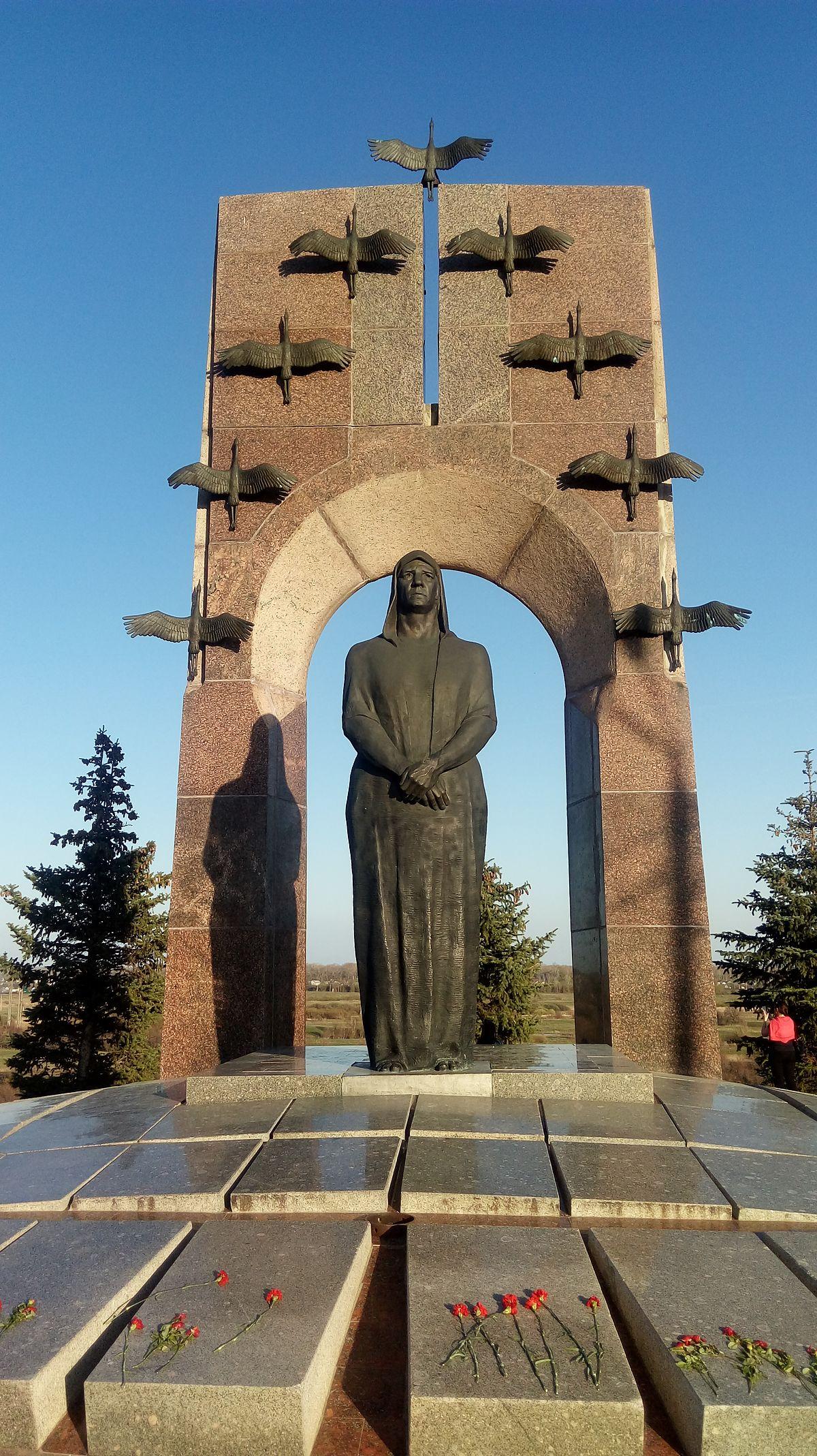 Памятники биография самара троекуровское кладбище могилы знаменитостей