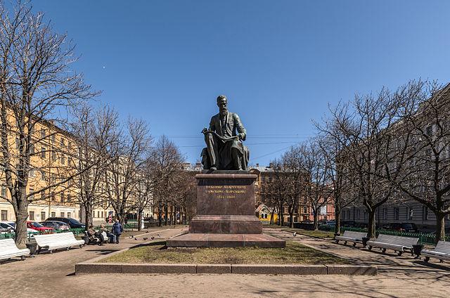 Памятник Н.А.Римскому-Корсакову на Театральной площади в Санкт-Петербурге. Скульпторы В.Я.Боголюбов и В.И.Ингал