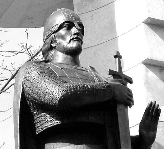 Памятник-часовня у храма Александра Невского в с. Усть-Ижоре (фрагмент).