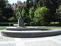 Ялта-Памятник Чехову.jpg
