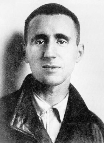 Бертольт Брехт в начале 20-х годов