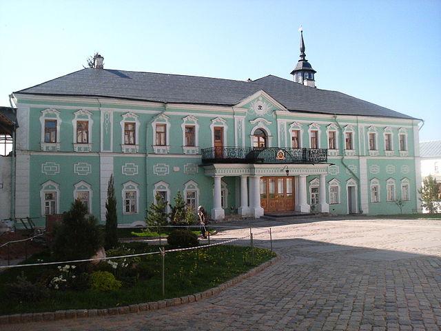 http://upload.wikimedia.org/wikipedia/ru/thumb/b/b3/Patriarsh.jpg/640px-Patriarsh.jpg