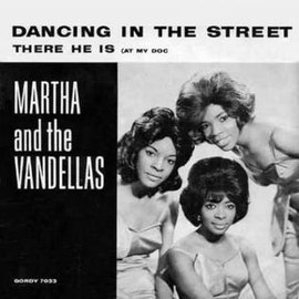 Обложка сингла Martha and the Vandellas «Dancing in the Street» (1964)