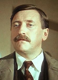 Philip Jackson as Chief Inspector Japp.jpg