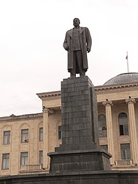 Stalin monument gori.JPG