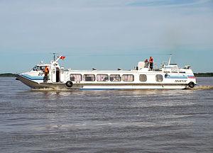 На реке Иртыш пассажирский теплоход столкнулся с грузовой баржей. Есть жертвы