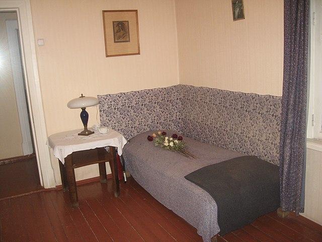 Кровать, на которой скончался Борис Пастернак. Дом-музей в Переделкино.