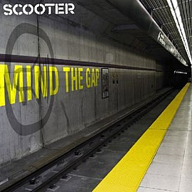 Обложка альбома Scooter «Mind the Gap» (2004)