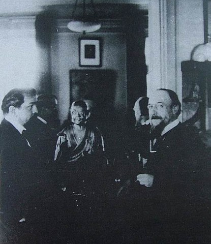 Дебюсси & Сати (фото Стравинского, 1910 год)
