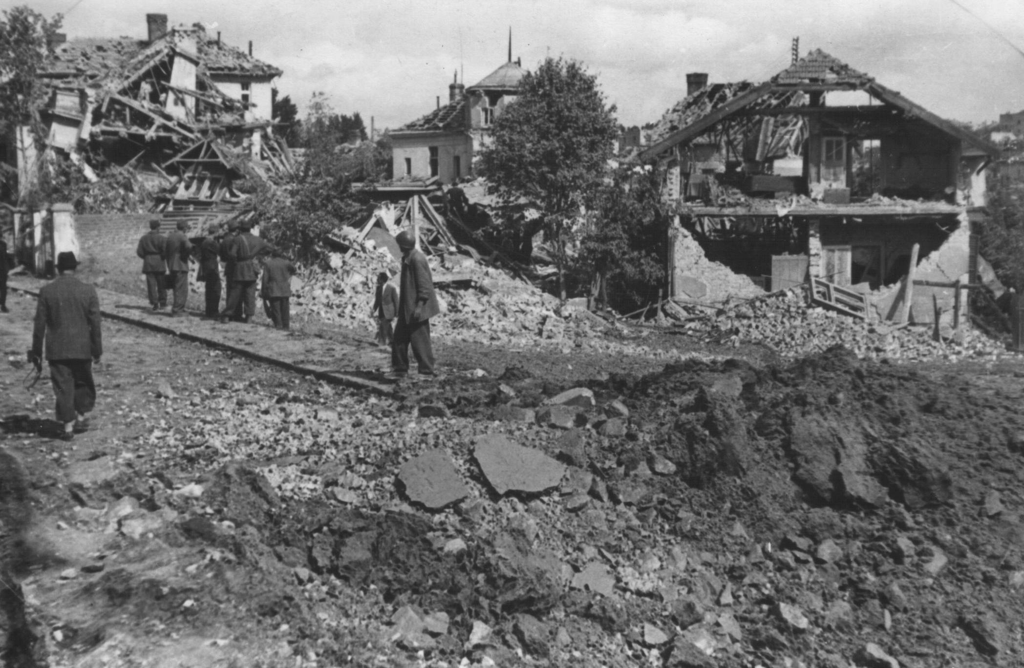 Istorija Beograda - Page 3 Beograd_posle_bombardovanja_1944