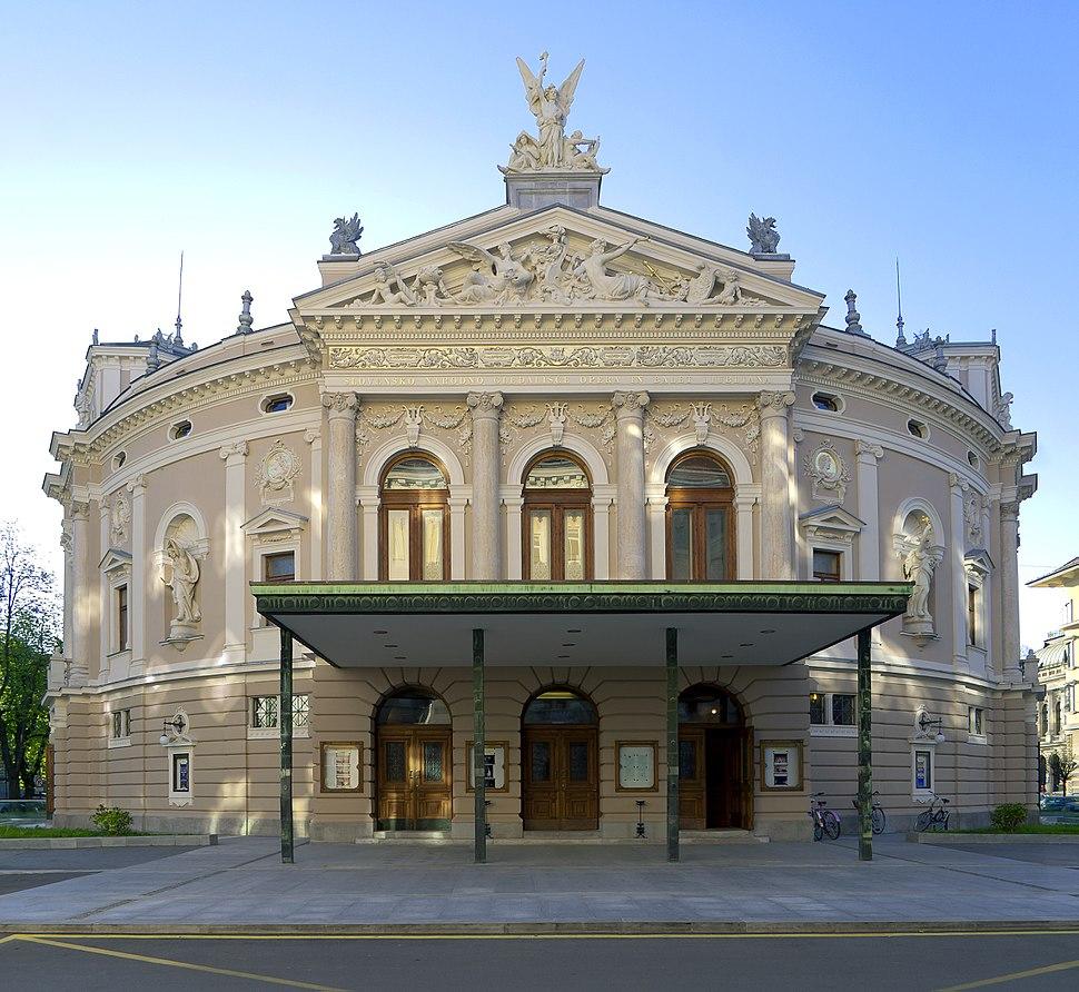 Pročelje ljubljanske Opere.