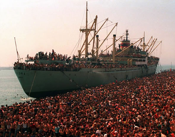 Emigrim Shqiptar – shkruar trashe trashe qe kuptohem holle holle