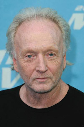 The 75-year old son of father (?) and mother Eileen Bell Tobin, 180 cm tall Tobin Bell in 2018 photo