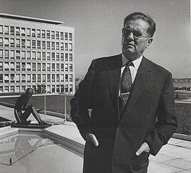 Stevan Kragujevic, Tito, ispred SIVa, 1962