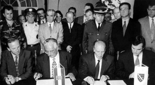 Signing of the Split Agreement, 22 July 1995