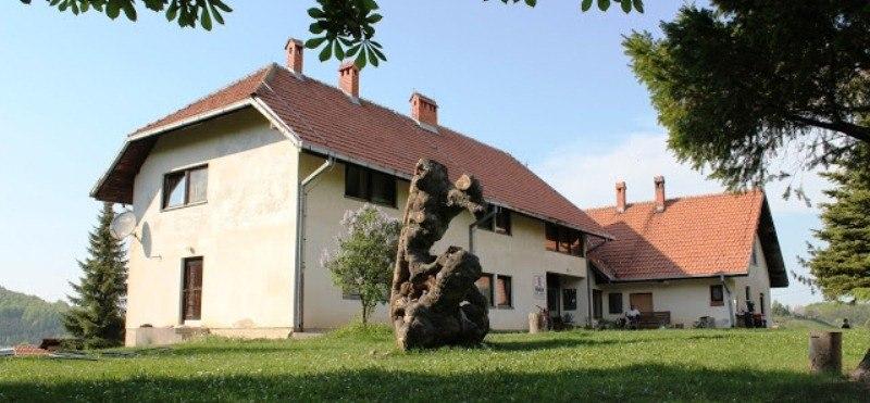 Planinarski dom HK Krusik Medvednik (1)