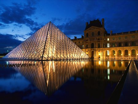 Louvre at night2.jpg