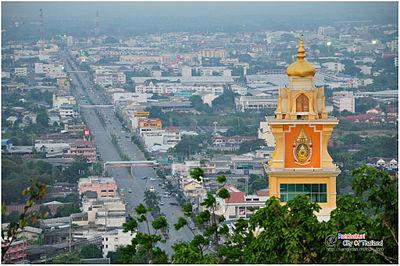 ภาพเมืองราชบุรีจากเขาแก่นจันทร์ ตามแนวถนนศรีสุริยวงศ์