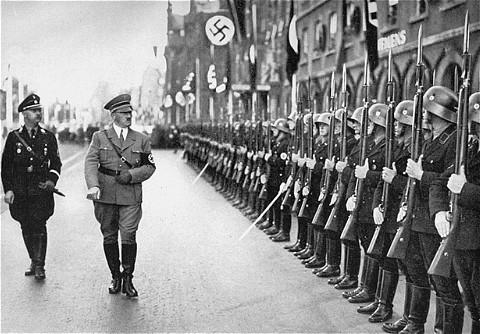 Heinrich Himmler Kimdir?(1900 - 1945)
