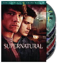 Supernatural 3 sezon dvd afişi.jpg