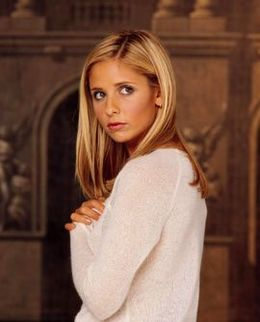 Televizyon dizisi olan Buffy the Vampire Slayer karakterlerinden birisi; Buffy Summers.jpg