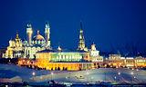 Места не только привязаны к карте, но и часто хорошо сфотографированы.  Казанский кремль в Казани имеет 10 фотографий...
